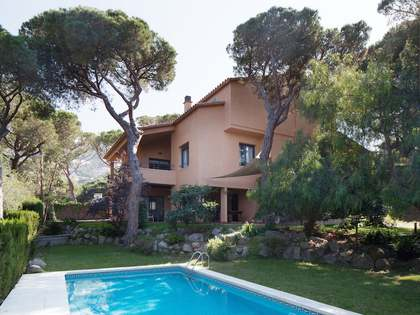 Maresme Coast villa for sale in Cabrils, Spain