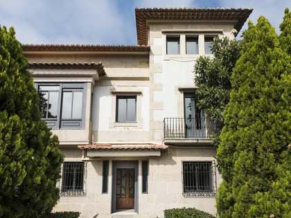Дом / Вилла 420m² на продажу в Vigo, Галисия