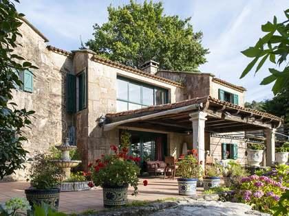 371m² Haus / Villa zum Verkauf in Pontevedra, Galicia