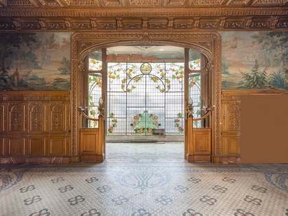 487m² Apartment with 25m² terrace for sale in Eixample Right