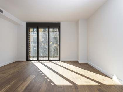 90m² Apartment with 6m² terrace for rent in Eixample Left