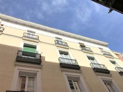 247m² apartment for sale in Cortes, Madrid