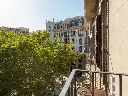 190m² Apartment with 10m² terrace for rent in Eixample Right
