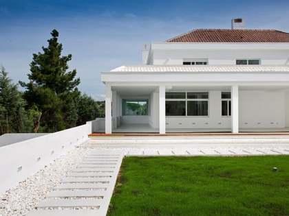 Huis / Villa van 1,750m² te koop in La Moraleja, Madrid