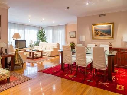 在 Tres Torres, 巴塞罗那 226m² 出售 房子 包括 20m² 露台