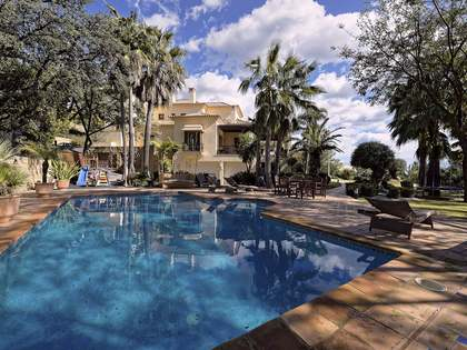 6-bedroom villa with 2 pools for sale in La Zagaleta