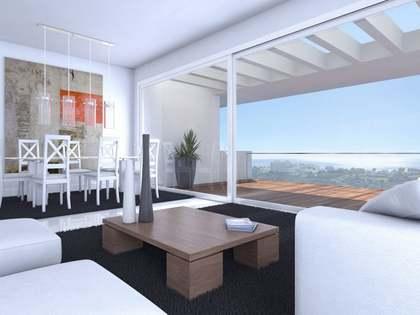 Ático nuevo de 2 dormitorios en venta en Estepona