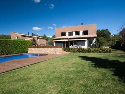 Huis / Villa van 340m² te koop in Vallromanes, Maresme