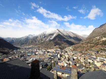 Huis / Villa van 182m² te koop met 57m² Tuin in Andorra la Vella