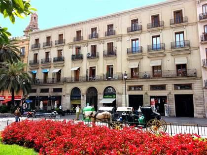 180 m² apartment for rent in La Seu, Valencia city