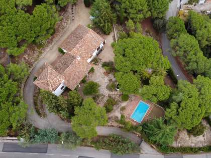 Casa / Villa de 391m² con 2,700m² de jardín en venta en Arenys de Munt