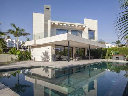 840m² Haus / Villa mit 360m² terrasse zum Verkauf in Nueva Andalucía