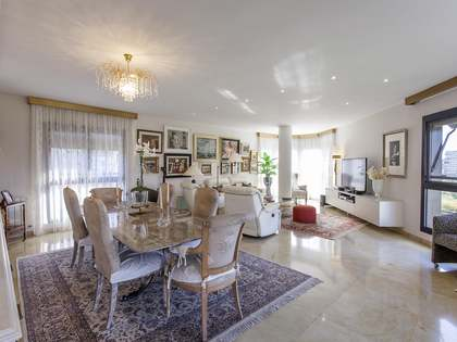 237m² Apartment for sale in El Pla del Real, Valencia