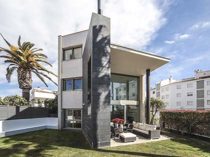 Huis / Villa van 337m² te koop in Vilanova i la Geltrú