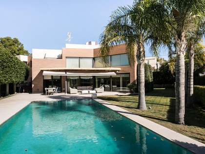 Contemporary design villa for sale in Rocafort