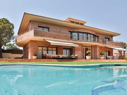 519m² House / Villa for sale in Vilanova i la Geltrú