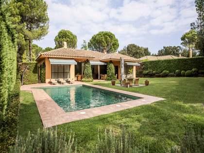 Villa de 3 dormitorios en venta en Torremirona Golf Resort