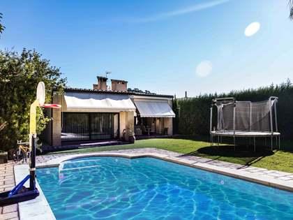 Villa de estilo mediterráneo en venta en Los Monasterios