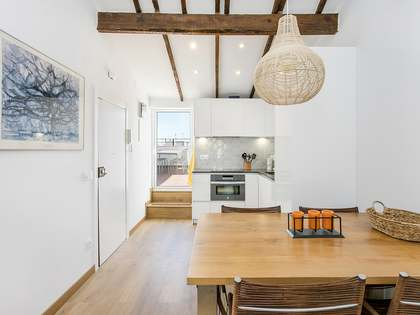 45 m² apartment with 18 m² terrace for rent in Eixample Left