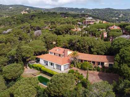 Casa / Vil·la de 1,600m² en venda a Sant Andreu de Llavaneres