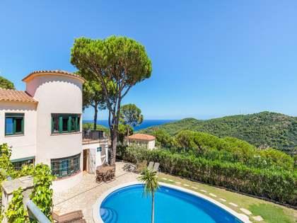 Casa / Villa di 243m² in vendita a Sa Riera / Sa Tuna