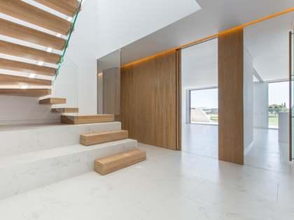 Attico di 225m² con 235m² terrazza in affitto a Pozuelo