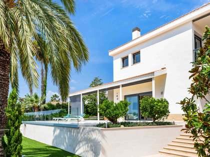 Villa de 625m² en venta en Alella, Maresme
