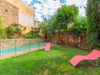 418m² House / Villa with 100m² garden for sale in Baix Empordà