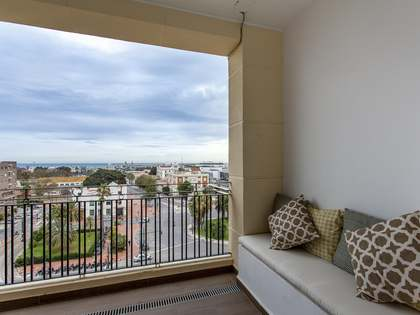 Penthouse with 30m² terrace for rent in Playa de la Malvarrosa