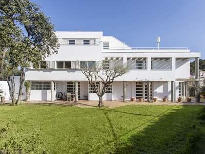 430m² House / Villa with 570m² garden for rent in Gràcia