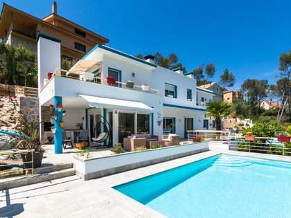 Дом / Вилла 260m² на продажу в Olivella, Барселона
