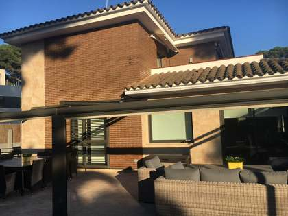 388 m² house for sale in La Pineda, Barcelona