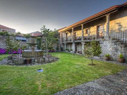 Casa / Villa de 775m² en venta en Ourense, Galicia
