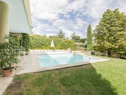 335m² Haus / Villa mit 1,020m² garten zum Verkauf in Aravaca