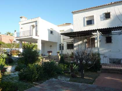570m² House / Villa for sale in East Málaga, Málaga