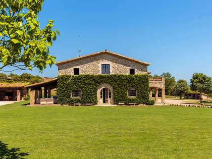 Traditional style masia for sale in Alt Empordà, Girona