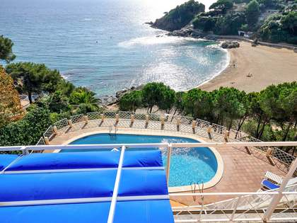 First line villa for sale in Blanes, Costa Brava