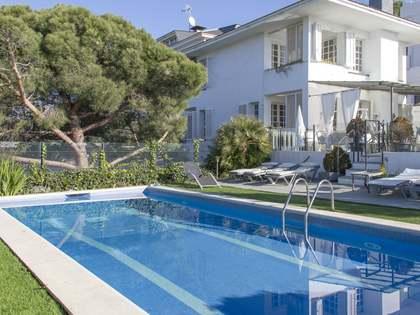 Huis / Villa van 422m² te koop in Arenys de Munt, Maresme