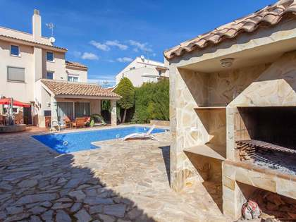 6-bedroom villa for sale in Monasterios, Valencia