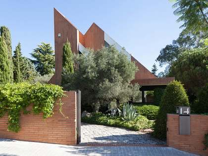 Maresme海岸Alella小镇现代化名师设计别墅出售