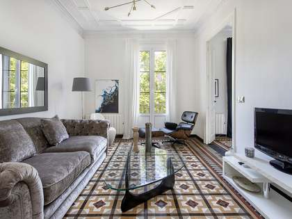 Stylish 3-bedroom apartment for rent in El Born, Barcelona