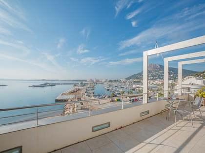 Dúplex con terraza grande en venta en L'Estartit