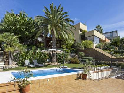 256m² House / Villa with 400m² garden for sale in Sant Just