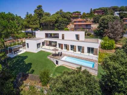 Huis / Villa van 337m² te huur in Vallromanes, Maresme