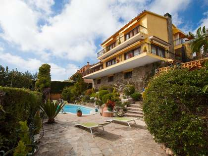 3-storey family house for sale in Cabrils, Maresme