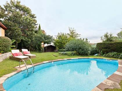 Casa / Vila de 398m² em aluguer em Sant Cugat, Barcelona