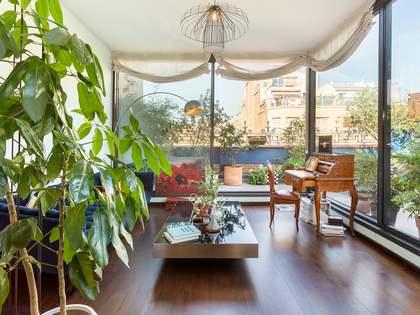Piso con 76 m² de terraza en venta en Eixample Derecho