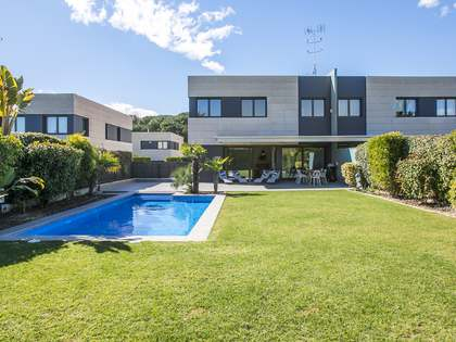 498m² House / Villa with 320m² garden for rent in Sant Andreu de Llavaneres