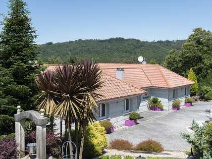 Huis / Villa van 883m² te koop in Ourense, Galicia