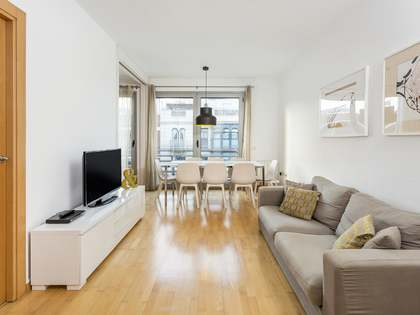 93m² penthouse with 40m² terrace for sale in Eixample Right